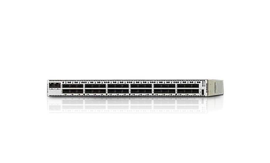 Oracle Dual Port QDR InfiniBand Adapter M3, front top angle view